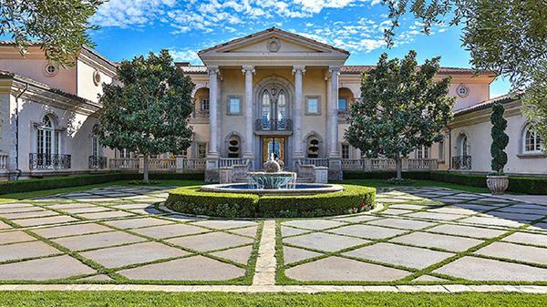 Britney-Spears-Thousand-Oaks-Villa-Facade