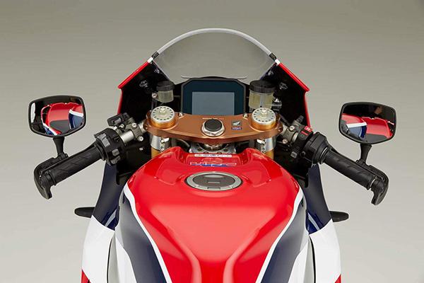 Honda RC213V-S 16 01