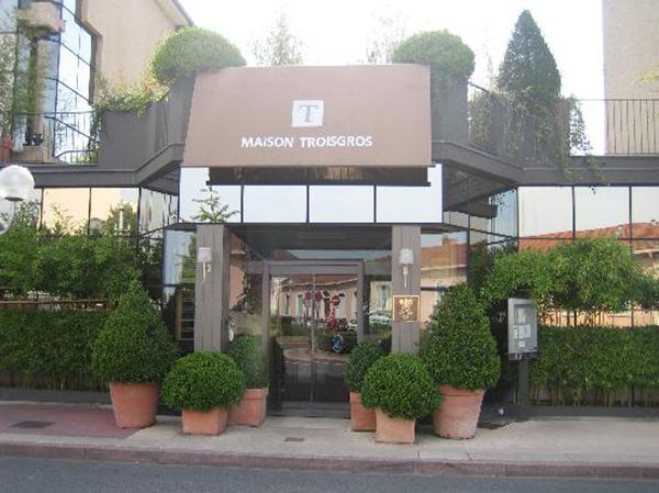 hotel-exterior troisgros