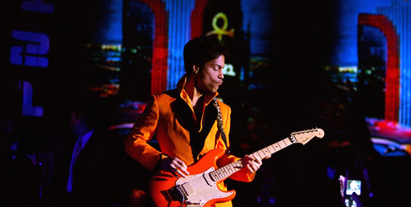 LAS VEGAS - NOVEMBER 08:  Prince performs at the unveiling of his 3121 live entertainment venue at the Rio Hotel & Casino November 8, 2006 in Las Vegas, Nevada. Prince will headline shows at the nightclub on Friday and Saturday nights and will book his own performers on Wednesday nights. He is also a partner in the new 3121 Jazz Cuisine restaurant at the resort. (Photo by Ethan Miller/Getty Images for 3121)