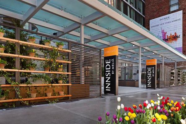 innside-new-york-entrance