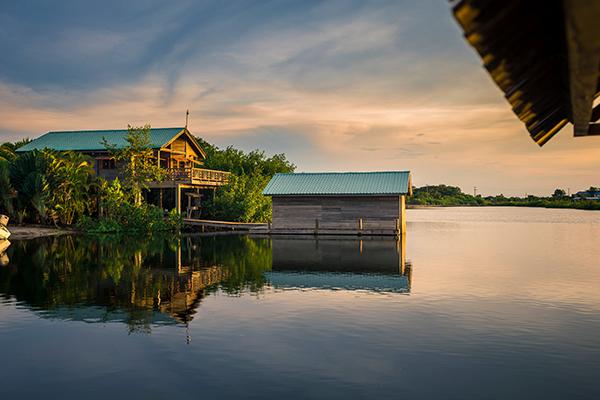 lagoon bungalow