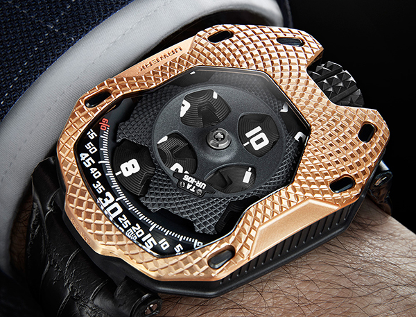 urwerk-ur-105-raging-gold-12