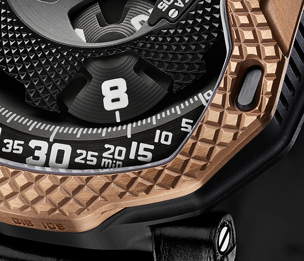 urwerk-ur-105-raging-gold-2