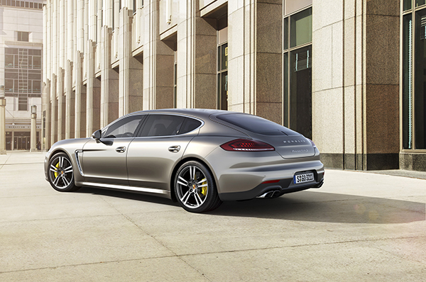 2014-porsche-panamera-turbo-s-executive-rear-three-quarter