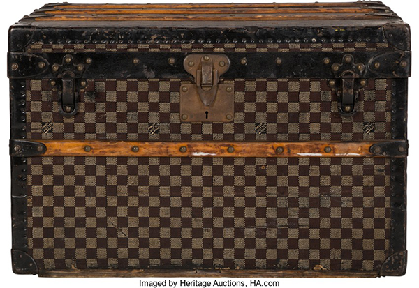 Heritage-aunction-louis-vuitton-damier-ebene-canvas-trunk-circa-1920