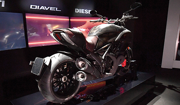 ducati-diavel-diesel-08