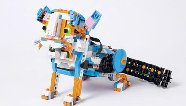 lego-boost-frankie