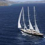 yacht EOS arrive