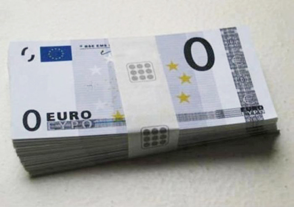 Se ponen de moda los billetes de 0 euros