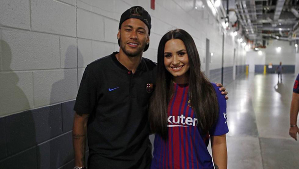 Neymar y Demi Lovato: novios ricos y famosos
