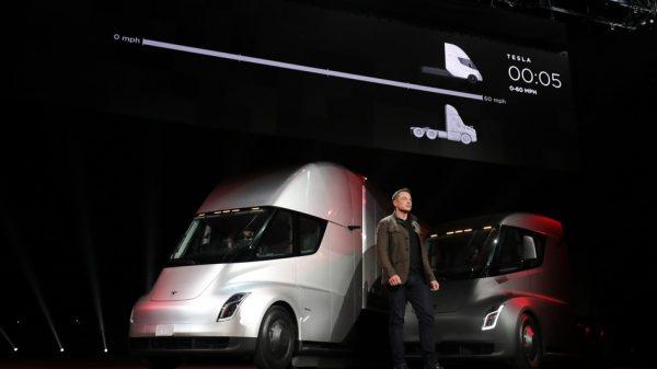 Camiones eléctricos, el nuevo reto de Elon Musk y Tesla