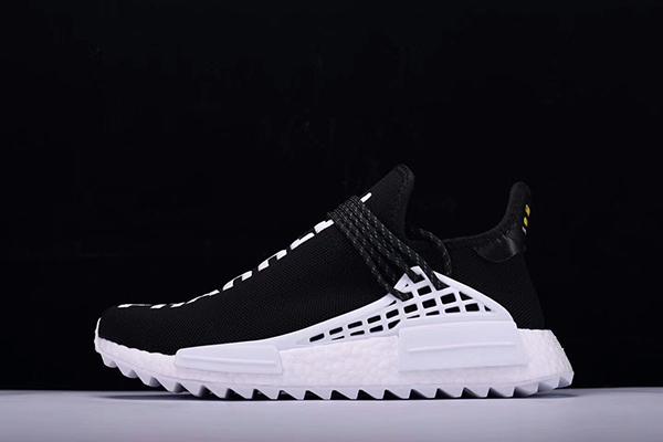 1677575014b9b Adidas presenta las nuevas deportivas Chanel en colaboración con ...