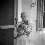 Artistas inquietantes y sus gatos misteriosos