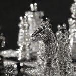 Exquisitos juegos de ajedrez-joya de Charles Hollander y Bernard Maquin