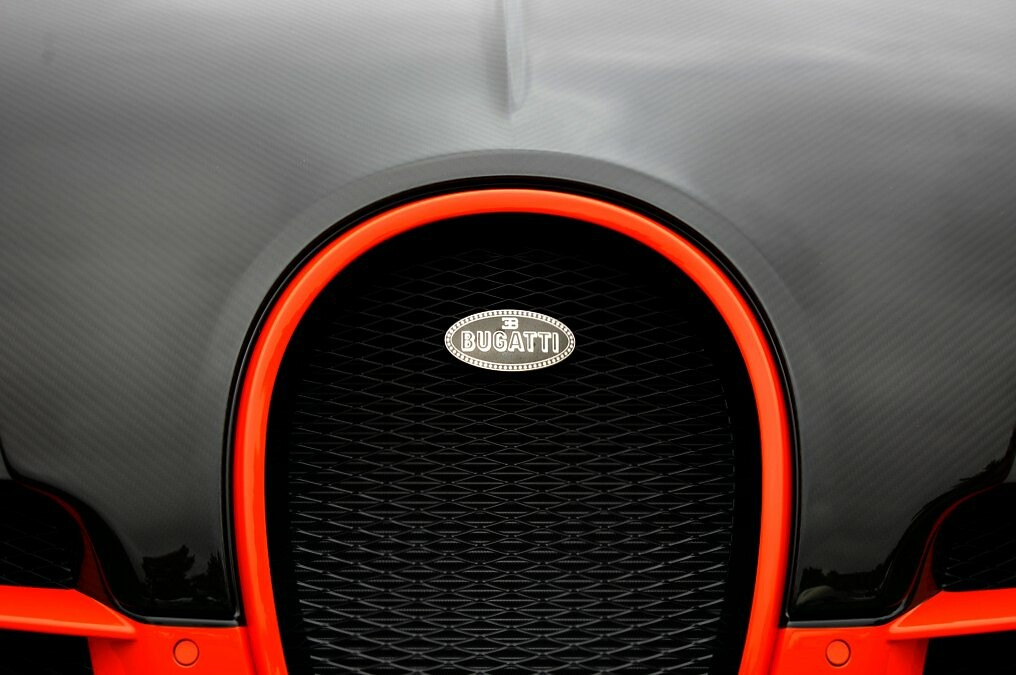 Bugatti se podría sumar a la moda de los SUV