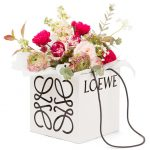 Loewe amplía su creatividad al mundo de las flores