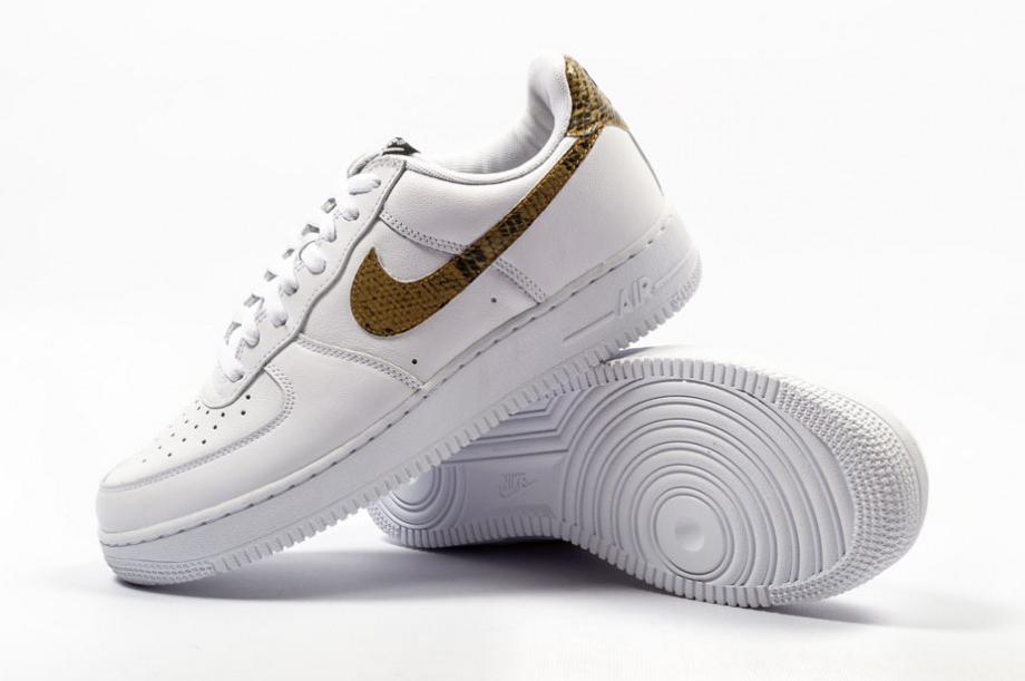 Las zapatillas Nike de lujo hechas con piel de serpiente