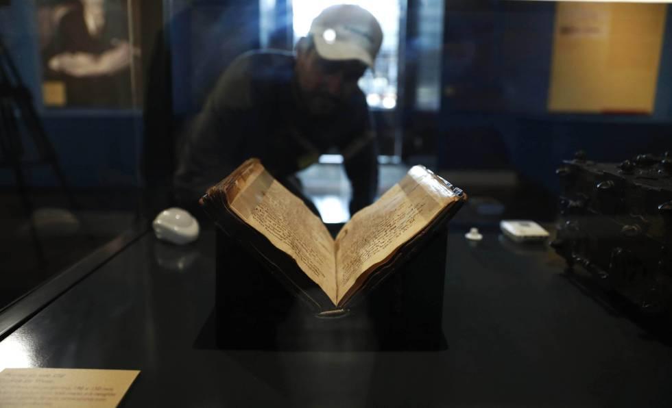 Por primera vez se exhibe al público el códice del Cantar del Mío Cid